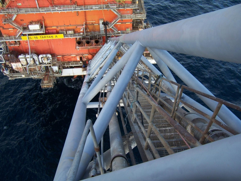 Chemco solving corrosion on oil rig